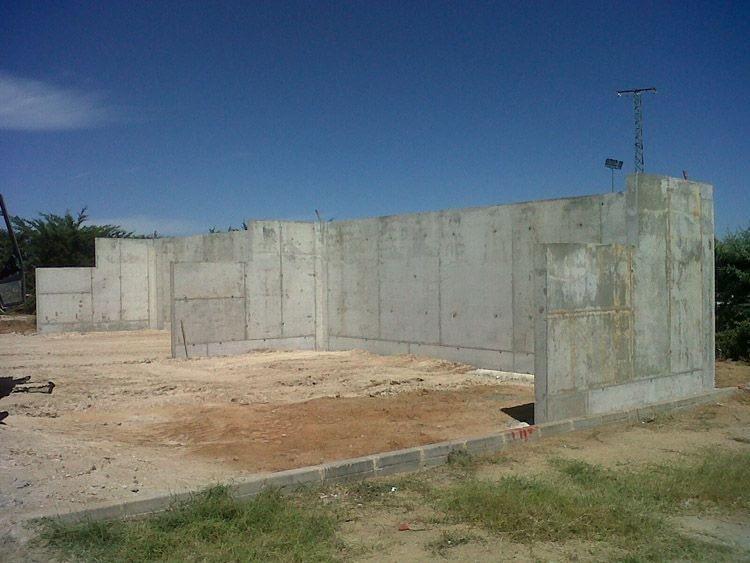 alquiler-encofrado-muro-padel