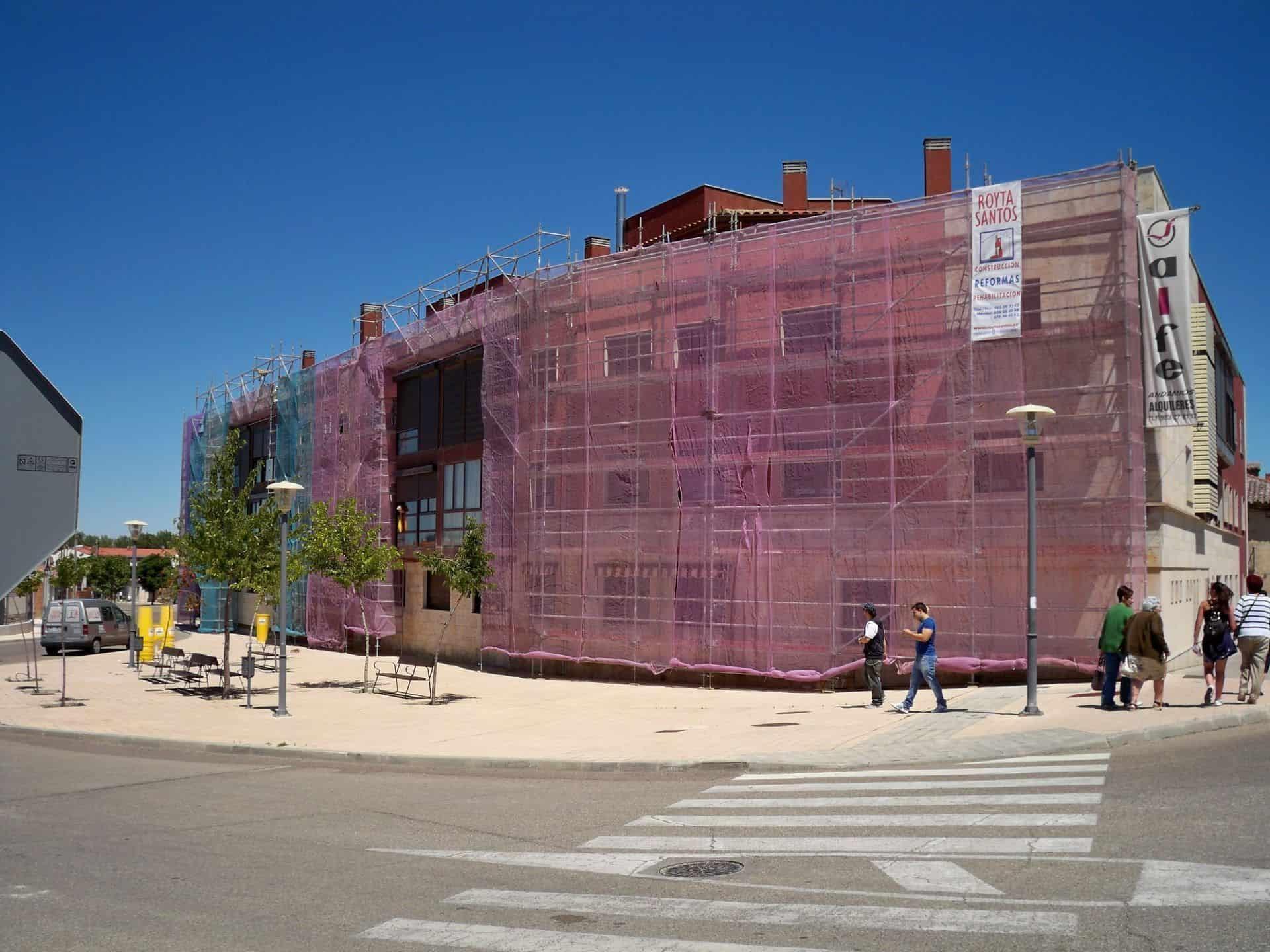 alquiler-andamio-limpieza-fachada_2