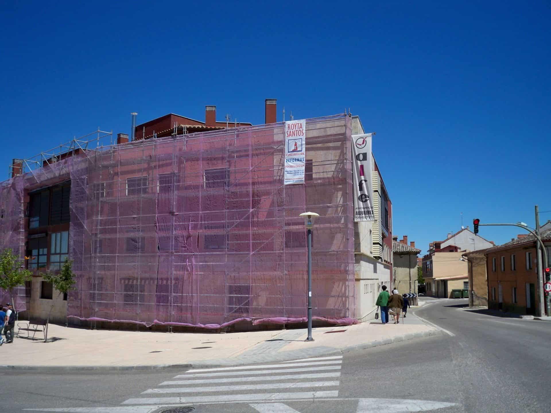 alquiler-andamio-limpieza-fachada_3